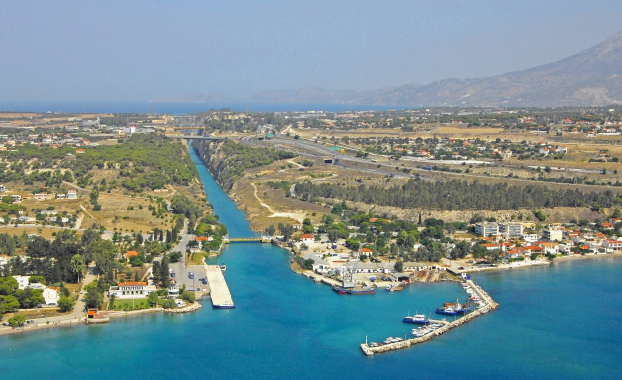 Aerial : corinth canal south