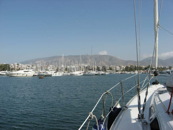 End of our bareboat vacations - Returning to Alimos Marina